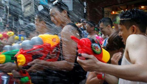 高清:泰國歡慶潑水節
