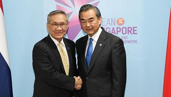 王毅會見泰國外長敦