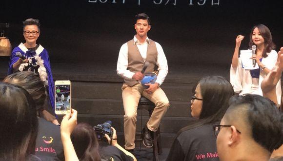 馬裏奧在泰辦中國媒體見面會 秀泰拳同遊湄南河